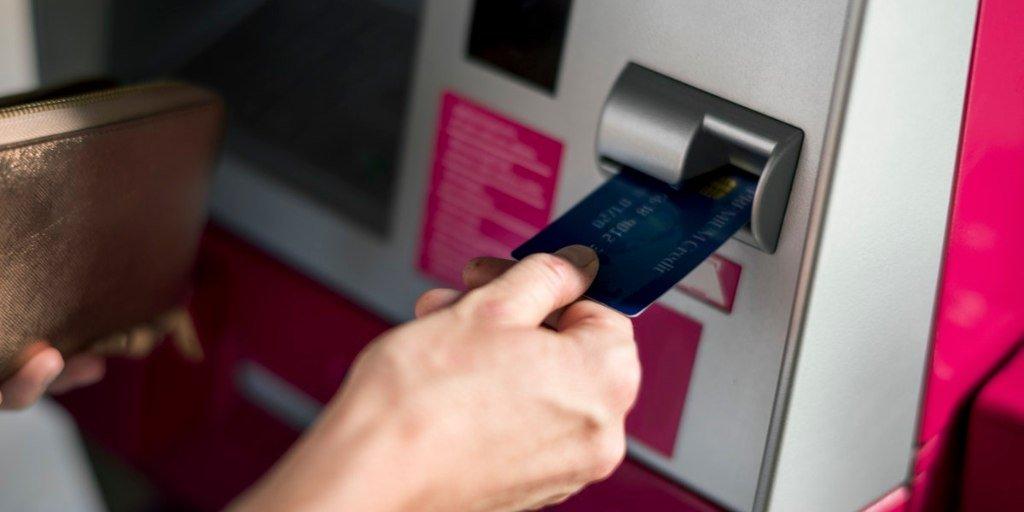 ATM Eksik Para Verirse Vakit Kaybetmeden Yapmanız Gereken 3 Şey